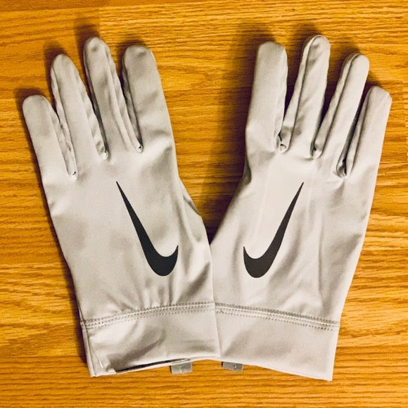 ever popular buy sale fast delivery NEW Nike Vapor Shield Thermal Football Gloves